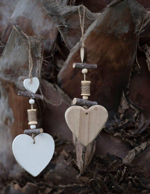 Μπομπονιέρα ξύλινη κρεμαστή καρδιά